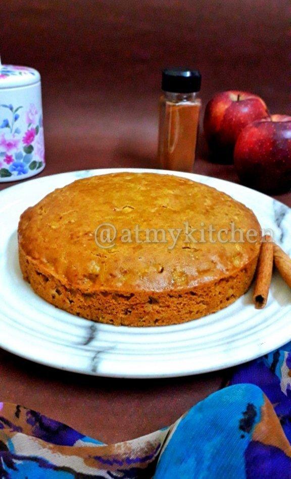 Apple Cinnamon Cake / Eggless Apple Cinnamon Cake / Easy Cinnamon Apple Cake