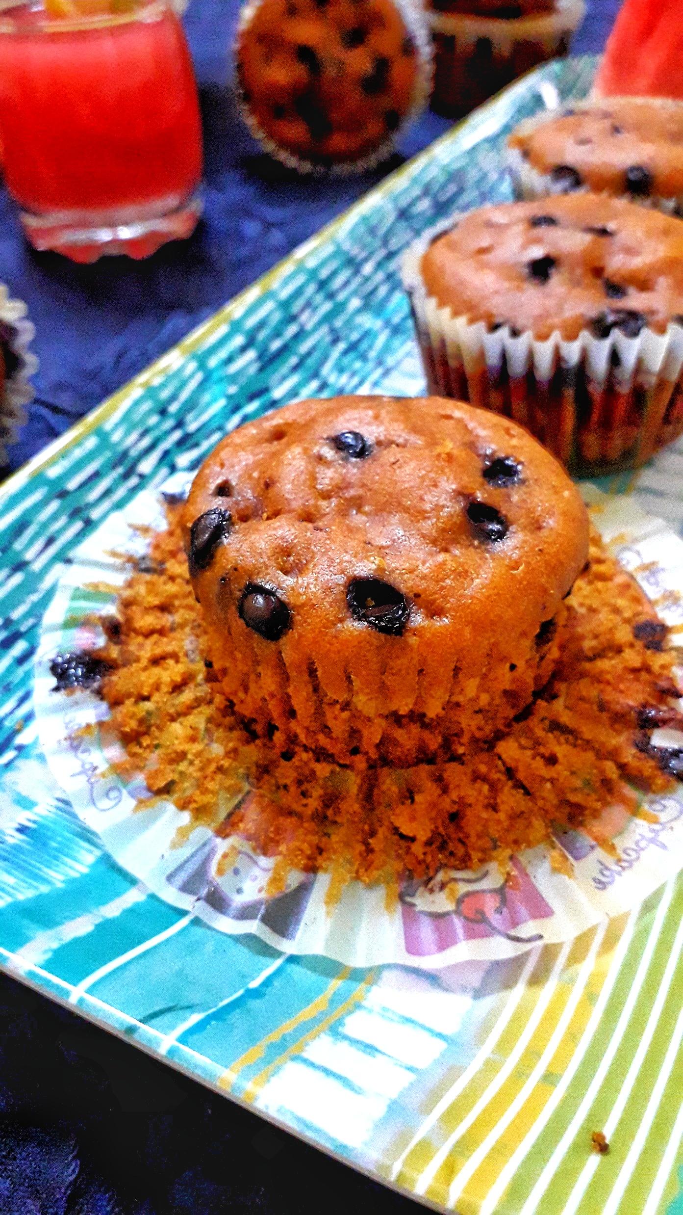 Watermelon Muffins / Whole Wheat Eggless Watermelon Muffins / Watermelon Chocolate Chip Muffins