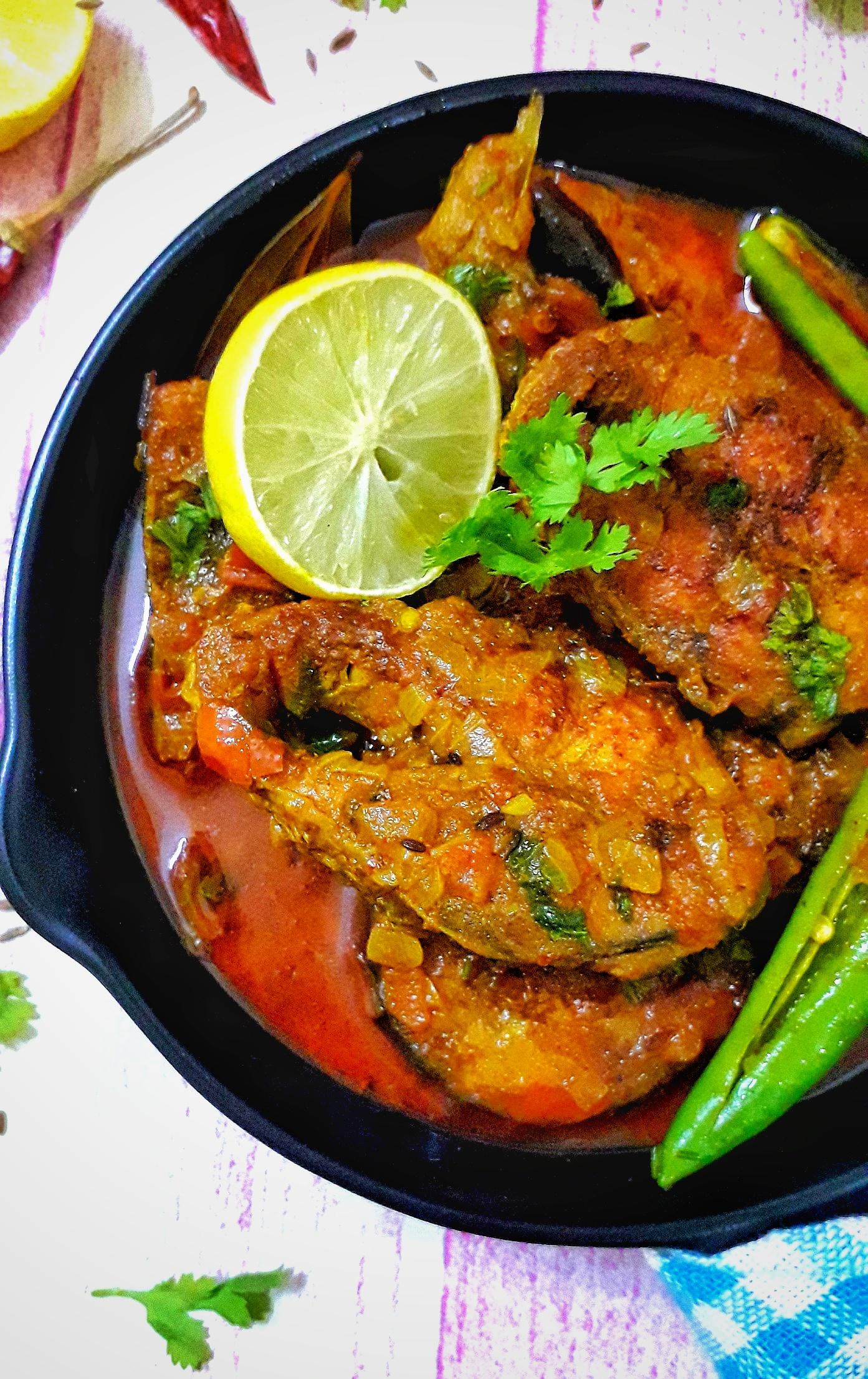 Rohu Fish Curry / Rui Macher Rosha / Bengali Fish Curry